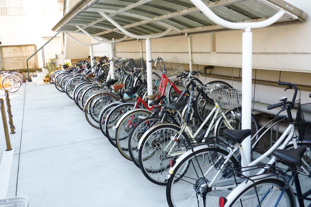 無料の駐輪場完備